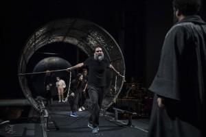 Mimmo Borrelli in una scena di LA CUPA foto di Marco Ghidelli