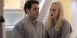 "Emma Stone e Jonah Hill in ""Maniac"""