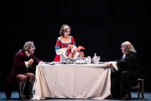da destra Mariano Rigillo, Anna Teresa Rossini, Andrea Renzi ne La Brocca Rotta regia Giuseppe D Pasquale foto marco ghidelli