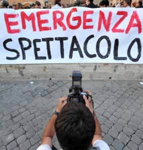 ROMA - ARTISTI DELLO SPETTACOLO TUTTI A MANIFESTARE CONTRO I TAGLI AL FUS